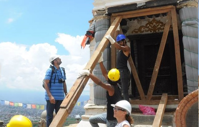Emergency-stabilisation-of-a-damaged-temple-in-Nepal-2015-Photo-ICCROM